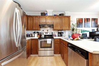 Photo 10: 835 PORTER Street in Coquitlam: Harbour Chines 1/2 Duplex for sale : MLS®# R2576039
