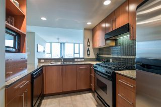 """Photo 9: 2103 583 BEACH Crescent in Vancouver: Yaletown Condo for sale in """"PARK WEST TWO"""" (Vancouver West)  : MLS®# R2361220"""