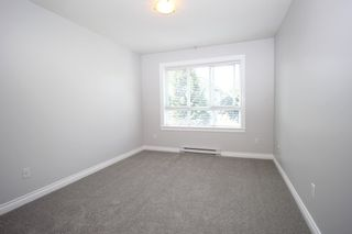 """Photo 7: 305 20750 DUNCAN Way in Langley: Langley City Condo for sale in """"Fairfield Lane"""" : MLS®# R2401633"""