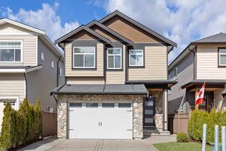 Photo 1: 2481 GLENWOOD Avenue in Port Coquitlam: Woodland Acres PQ House for sale : MLS®# R2558626