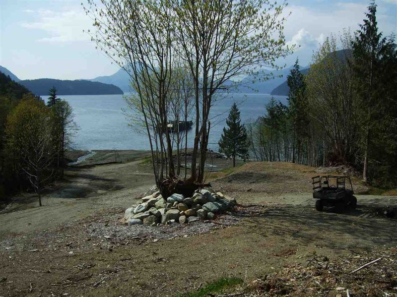 FEATURED LISTING: DL - 5658 KILLAM BAY Egmont
