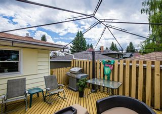 Photo 37: 127 Wedgewood Drive SW in Calgary: Wildwood Detached for sale : MLS®# A1056789