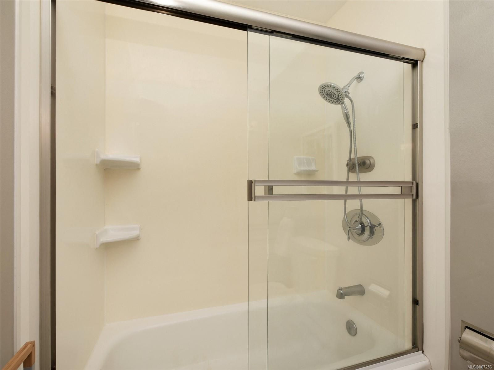 Photo 16: Photos: 5 869 Swan St in : SE Swan Lake Row/Townhouse for sale (Saanich East)  : MLS®# 867256