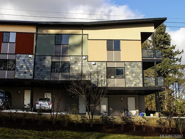 Main Photo: 7 2321 Island View Rd in Central Saanich: CS Island View Row/Townhouse for sale : MLS®# 676887