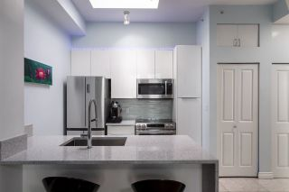 """Photo 5: PH6 2733 CHANDLERY Place in Vancouver: South Marine Condo for sale in """"River Dance"""" (Vancouver East)  : MLS®# R2623019"""