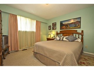 Photo 6: 8841 ROSLIN PL in Surrey: Bear Creek Green Timbers House for sale : MLS®# F1311750