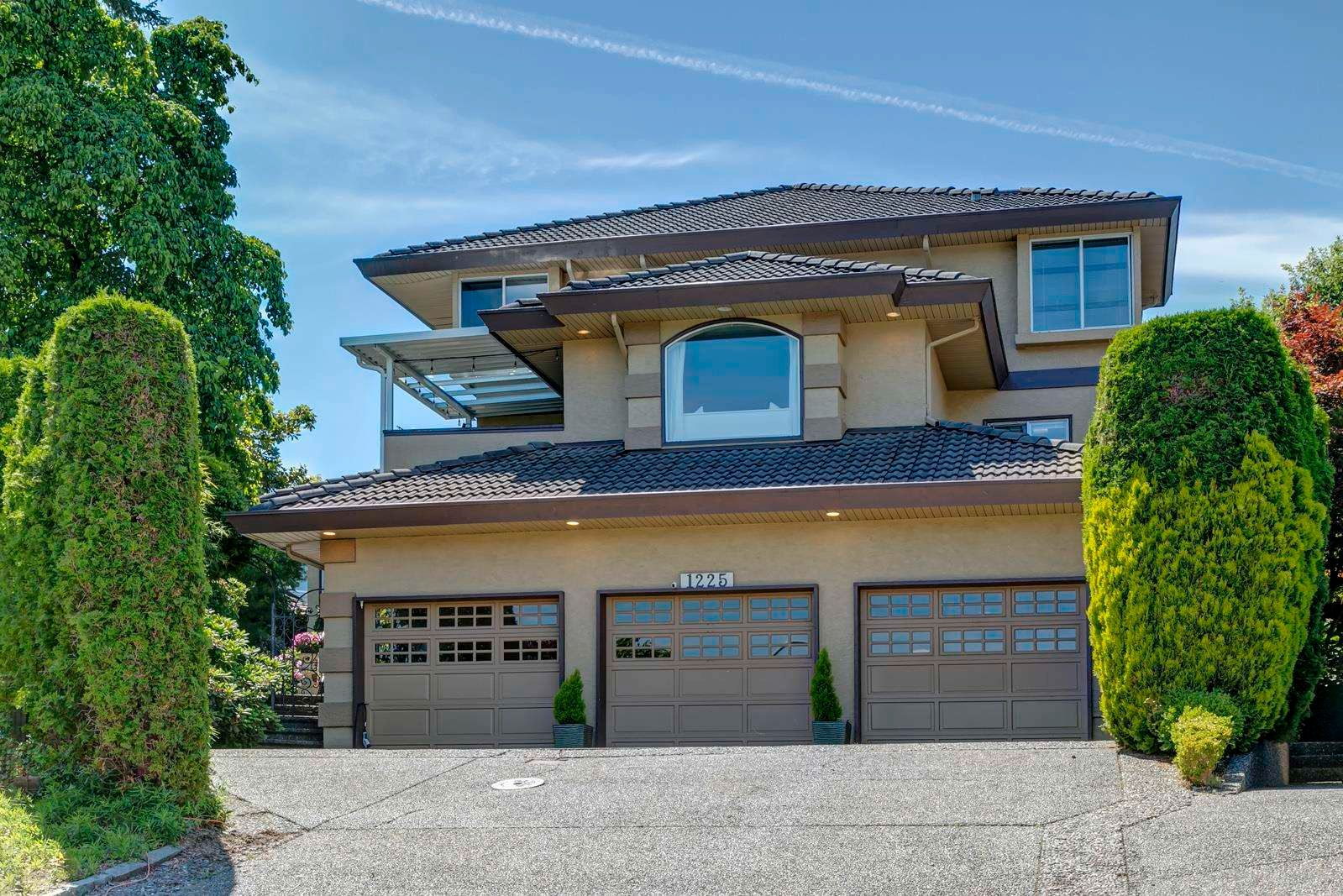 Main Photo: 1225 GATEWAY Place in Port Coquitlam: Citadel PQ House for sale : MLS®# R2594741