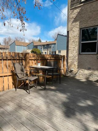 Photo 3: 29 WILLOWDALE Place in Edmonton: Zone 20 Townhouse for sale : MLS®# E4240194