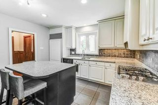 Photo 11: 50 S Grenview Boulevard in Toronto: Stonegate-Queensway House (1 1/2 Storey) for sale (Toronto W07)  : MLS®# W5323220