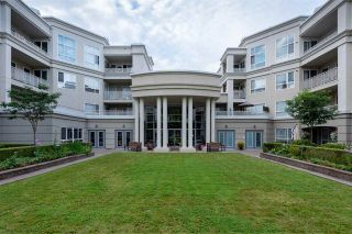 """Photo 21: 422 3098 GUILDFORD Way in Coquitlam: North Coquitlam Condo for sale in """"Marlborough House"""" : MLS®# R2490203"""