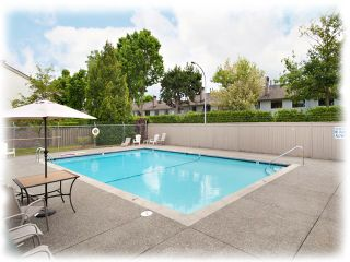 "Photo 2: 7 11451 KINGFISHER Drive in Richmond: Westwind Townhouse for sale in ""West Chelsea"" : MLS®# R2517566"