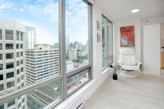 """Photo 4: 2505 1200 W GEORGIA Street in Vancouver: West End VW Condo for sale in """"Residence on Georgia"""" (Vancouver West)  : MLS®# R2563816"""
