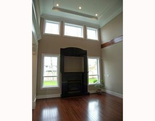 Photo 4: 8151 CLAYBROOK Road in Richmond: Boyd Park House for sale : MLS®# V774082