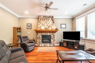 "Photo 3: 1019 JAY Crescent in Squamish: Garibaldi Highlands House for sale in ""Thunderbird Creek"" : MLS®# R2375998"