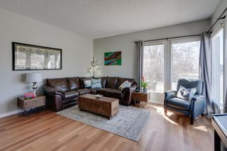 Photo 3: 447 Glamorgan Place SW in Calgary: Glamorgan Detached for sale : MLS®# A1096467