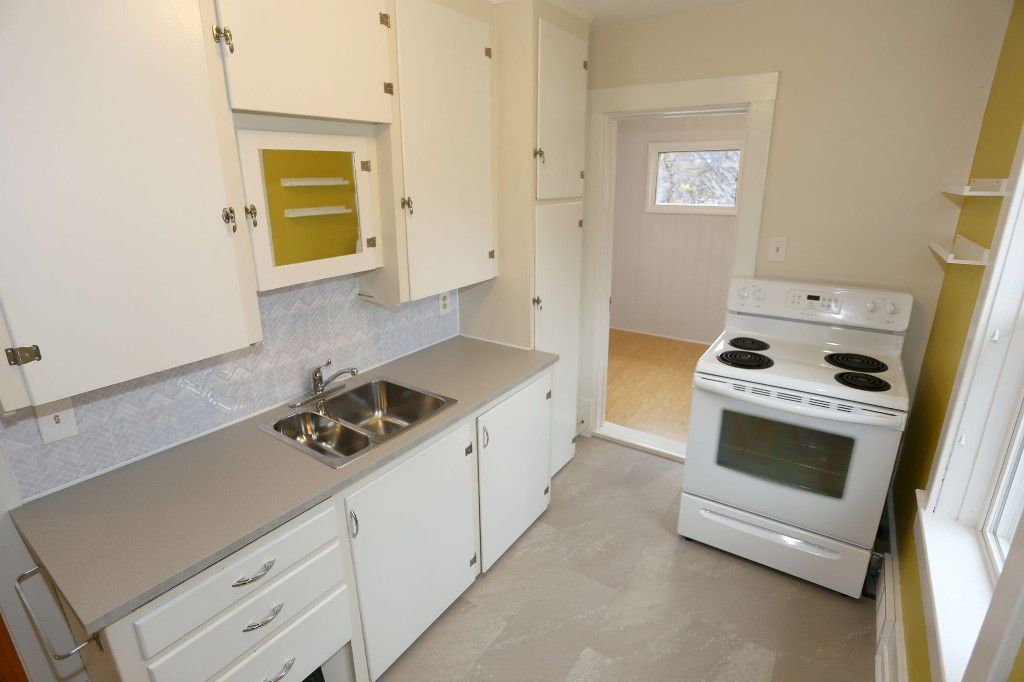 Photo 16: Photos: 626 Greenwood Place in Winnipeg: West End Duplex for sale (5C)  : MLS®# 1728014