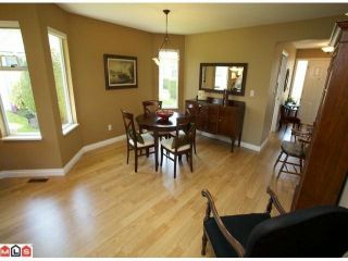"""Photo 3: 113 14280 19A Avenue in Surrey: Sunnyside Park Surrey Townhouse for sale in """"Tiffany Lane"""" (South Surrey White Rock)  : MLS®# F1111117"""