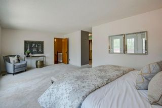 Photo 18: 131 Strathbury Bay SW in Calgary: Strathcona Park Detached for sale : MLS®# A1130947