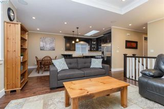Photo 3: 2083 Longspur Dr in VICTORIA: La Bear Mountain House for sale (Langford)  : MLS®# 819774