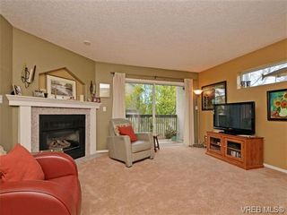 Photo 6: 1646 Myrtle Ave in VICTORIA: Vi Oaklands Row/Townhouse for sale (Victoria)  : MLS®# 701228