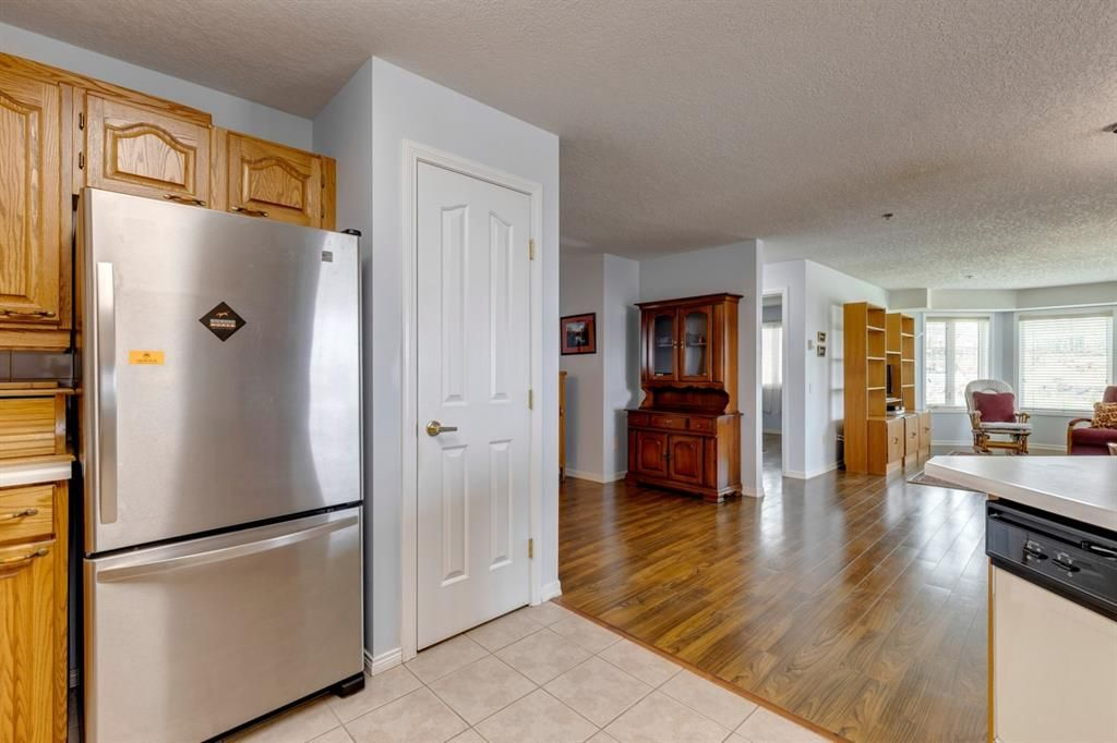 Photo 11: Photos: 1222 1818 Simcoe Boulevard SW in Calgary: Signal Hill Apartment for sale : MLS®# A1130769