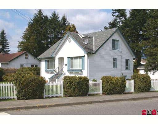 Main Photo: 46411 YALE Road in Chilliwack: Chilliwack N Yale-Well House for sale : MLS®# H2801836