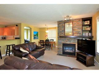 Photo 2: Townhouse for sale in North Vancouver
