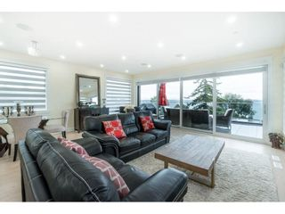 """Photo 12: 1105 JOHNSTON Road: White Rock House for sale in """"Hillside"""" (South Surrey White Rock)  : MLS®# R2577715"""