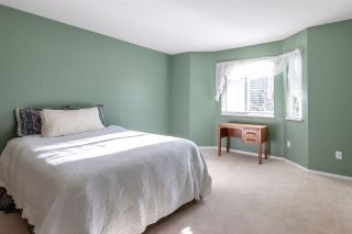 """Photo 16: 82 1973 WINFIELD Drive in Abbotsford: Abbotsford East Townhouse for sale in """"BELMONT RIDGE"""" : MLS®# R2446573"""