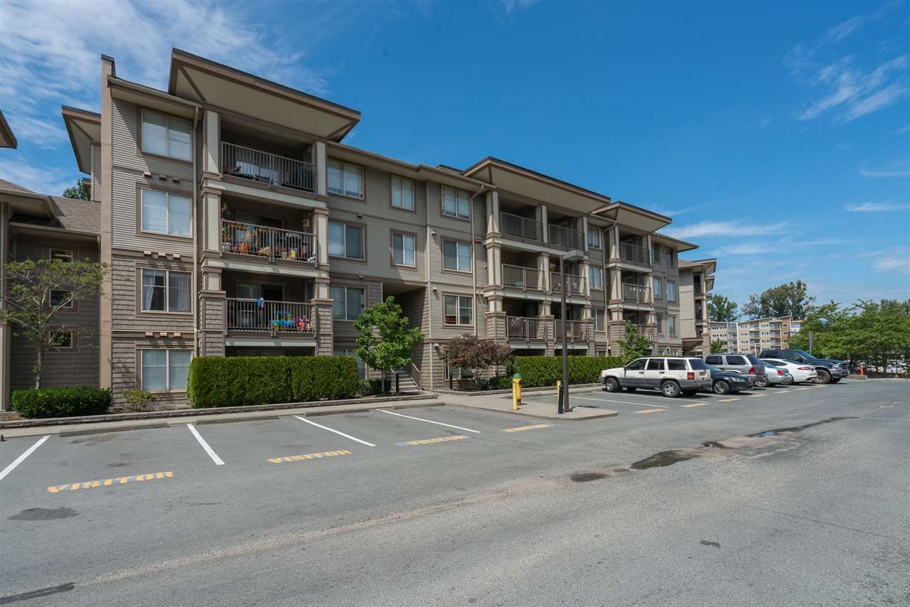 "Main Photo: 210 45567 YALE Road in Chilliwack: Chilliwack W Young-Well Condo for sale in ""VIBE"" : MLS®# R2557112"