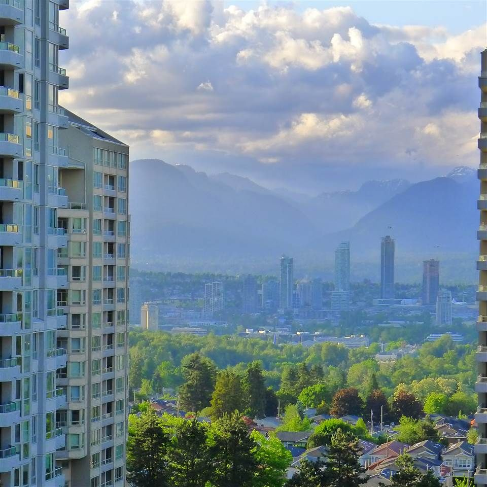 """Photo 2: Photos: 1402 4888 HAZEL Street in Burnaby: Forest Glen BS Condo for sale in """"THE NEWMARK"""" (Burnaby South)  : MLS®# R2273858"""