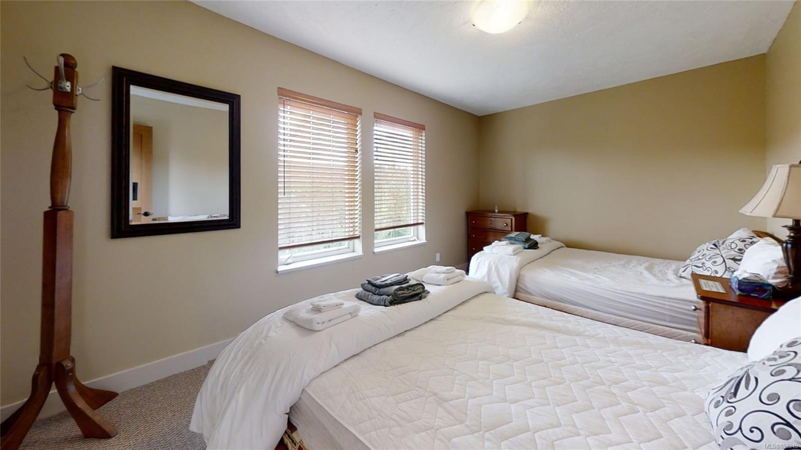 Main Photo: 899 Cruikshank Ridge in : CV Mt Washington House for sale (Comox Valley)  : MLS®# 858349