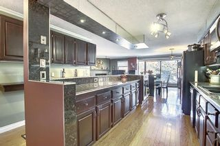 Photo 5: 806 320 Meredith Road NE in Calgary: Crescent Heights Apartment for sale : MLS®# A1106312