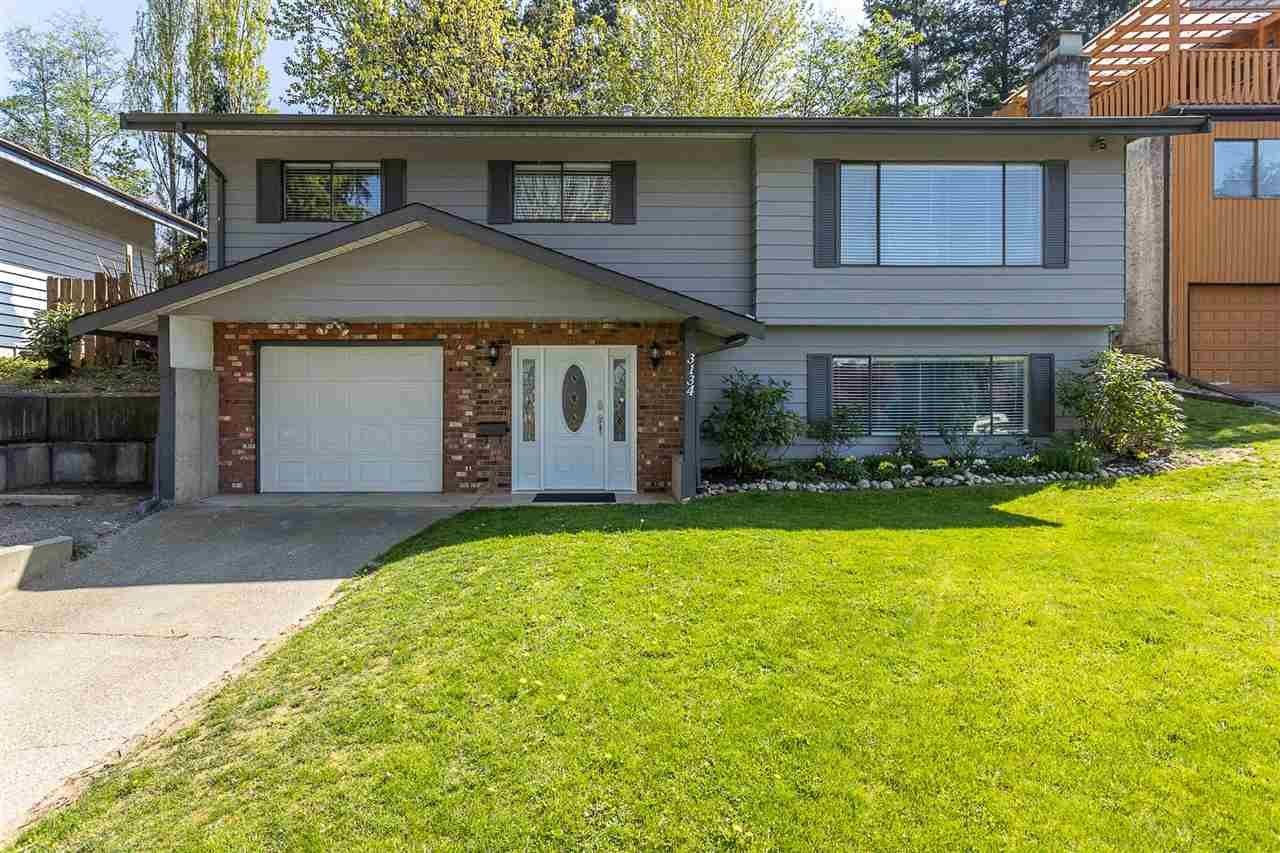 Main Photo: 3134 ELGON Court in Abbotsford: Central Abbotsford House for sale : MLS®# R2571051