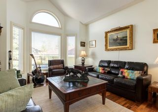 Photo 2: 231 Shawnee Gardens SW in Calgary: Shawnee Slopes Detached for sale : MLS®# A1114350