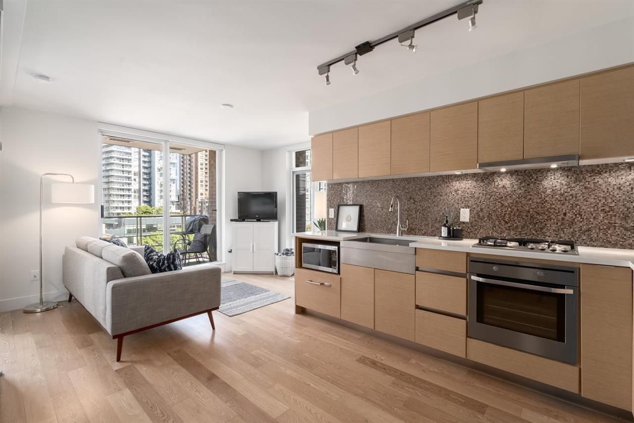 """Main Photo: 808 565 SMITHE Street in Vancouver: Downtown VW Condo for sale in """"Vita"""" (Vancouver West)  : MLS®# R2575019"""