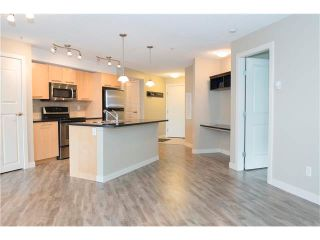 Photo 10: 206 120 COUNTRY VILLAGE Circle NE in Calgary: Country Hills Village Condo for sale : MLS®# C4028039