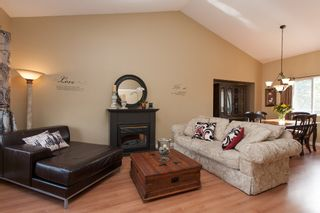 Photo 5: 2402 MARIANA Place in Coquitlam: Cape Horn House for sale : MLS®# V1028959