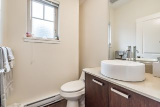 """Photo 3: 109 3382 VIEWMOUNT Drive in Port Moody: Port Moody Centre Townhouse for sale in """"LILLIUM VILLAS"""" : MLS®# R2155402"""