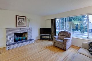 Photo 2: 830 E 29TH Street in North Vancouver: Lynn Valley House for sale : MLS®# V934540