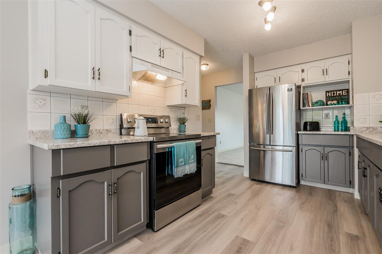 """Main Photo: 64 32959 GEORGE FERGUSON Way in Abbotsford: Central Abbotsford Townhouse for sale in """"Oakhurst"""" : MLS®# R2417458"""