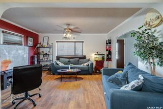 Photo 5: 301 108th Street West in Saskatoon: Sutherland Residential for sale : MLS®# SK850683