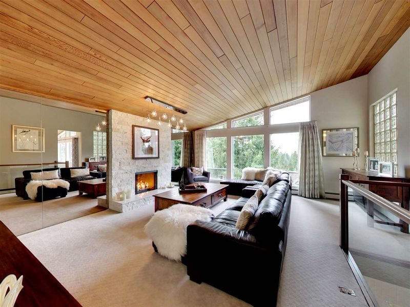 FEATURED LISTING: 510 BRAEMAR Road East North Vancouver