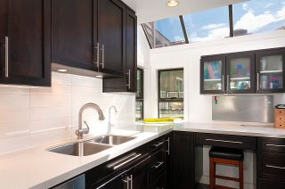 Photo 9: 8 1040 W 7TH Avenue in Vancouver: Fairview VW Townhouse for sale (Vancouver West)  : MLS®# R2401191