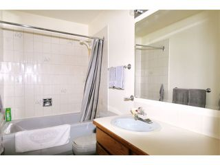 Photo 11: 464 Lehman Place in Port Moody: North Shore Pt Moody Townhouse  : MLS®# V1093243