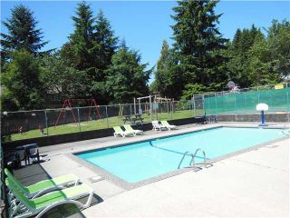 """Photo 15: 2331 MOUNTAIN Highway in North Vancouver: Lynn Valley Townhouse for sale in """"Yorkwood Park"""" : MLS®# V1015049"""