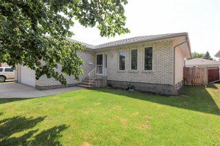 Photo 2: 197 Woodside Crescent in Winnipeg: Kildonan Meadows Residential for sale (3K)  : MLS®# 202117834