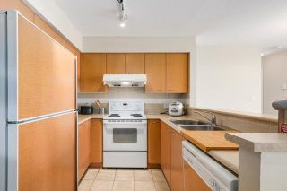 """Photo 4: 2308 6088 WILLINGDON Avenue in Burnaby: Metrotown Condo for sale in """"THE CRYSTAL"""" (Burnaby South)  : MLS®# R2176429"""