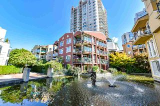 Photo 1: 105 12 LAGUNA COURT in New Westminster: Quay Condo for sale : MLS®# R2409518