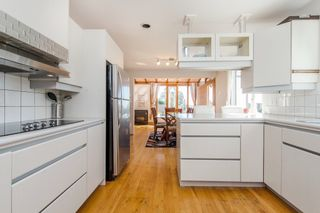 Photo 5: 968 CHARLAND Avenue in Coquitlam: Central Coquitlam 1/2 Duplex for sale : MLS®# R2114374